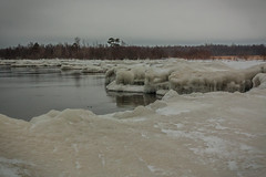 IMG_9085_edit (SPihtelev) Tags: ладога ленинградская область озеро зима лед льды вода маяк
