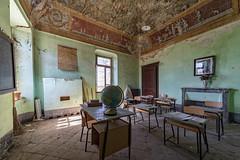 KV9A3160-HDR-1_DxO (wernkro) Tags: globusschule italien lostplace urbexen hdr krokor globus schule klassenzimmer