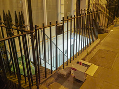 20190115T17-15-41Z (fitzrovialitter) Tags: bloomsburyward england fitzrovia gbr geo:lat=5151980000 geo:lon=013737000 geotagged unitedkingdom peterfoster fitzrovialitter city camden westminster streets urban street environment london streetphotography documentary authenticstreet reportage photojournalism editorial daybyday journal diary captureone olympusem1markii mzuiko 1240mmpro microfourthirds mft m43 μ43 μft ultragpslogger geosetter exiftool rubbish litter dumping flytipping trash garbage