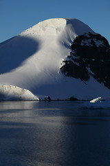 IMG_6861 (y.awanohara) Tags: cuvervilleisland cuverville antarctica antarcticpeninsula icebergs glaciers blue january2019