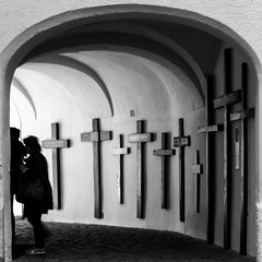 Cross / moving on (Özgür Gürgey) Tags: 2019 24120mm andechs bw d750 monastry nikon cross gate motion people repetition square