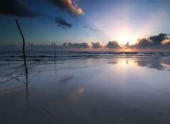 IMG_7406 ~ keindahan sepi (alongbc) Tags: sunrise reflection cloud sea sky water beach coast coastline seascape shoreline pantaisepat kuantan pahang malaysia travel place trip canon eos700d 700d eos canonlens 10mm18mm wideangle landscape happyplanet asiafavorites