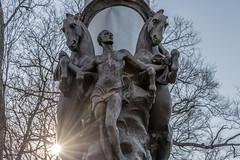 Battle of Nashville Monument Park, Tennessee (sniggie) Tags: battleofnashville battleofnashvillemonumentpark civilwar nashville memorial unity monument peace sun newday