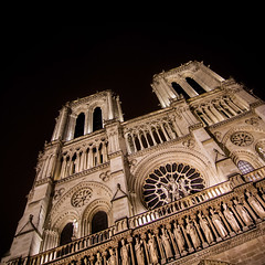 Notre-Dame, Paris, France (pas le matin) Tags: paris france europe europa travel voyage city ville capital notredame notredamedeparis architecture cathédrale cathedral church église world perspective cathédralenotredamedeparis facade nuit night canon 350d canon350d canoneos350d eos350d