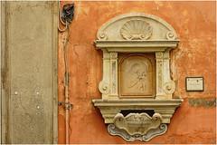 Trastevere , il cuore di Roma ... ( 1 ) (miriam ulivi) Tags: miriamulivi nikond3200 italia roma trastevere dettagli details edicola