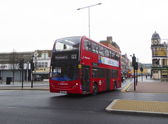 SLN 12344 - SN64OGT - PLUMSTEAD ROAD WOOLWICH - FRI 11TH JAN 2019 (Bexleybus) Tags: woolwich royal arsenal town centre shopping plumstead road beresfod street se18 tfl route stagecoach london selkent 122 adl dennis enviro 400 hybrid 12344 sn64ogt