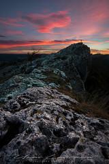 En la cima del mundo (Fotografias Unai Larraya) Tags: paisajes navarra naturaleza salvaje piedra altodelizarraga montaña ngc atardecer