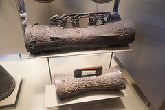 Carved New Guinea portable drums (quinet) Tags: 2017 amsterdam antik netherlands schnitzerei tropenmuseum ancien antique carving museum musée sculpture