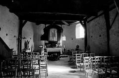 Eglise St-Denis de Flins-Neuve-Eglise (Philippe_28) Tags: flinsneuveeglise yvelines 78 france europe église church iledefrance 24x36 argentique analogue camera photography film 135