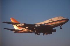South African Airways Boeing 747SP-44; ZS-SPE@ZRH, May 1996 (Aero Icarus) Tags: zrh zürichkloten zürichflughafen zurichairport lszh slidescan plane avion aircraft flugzeug southafricanairways boeing747sp zsspe