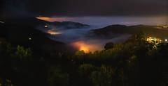 司馬限山嵐夜寬景 (JIMI_lin) Tags: 露營 司馬限山嵐露營區 苗栗 taiwan 雲海 seaofclouds 琉璃光 widescreen panorama foggy misty