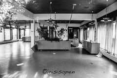 Interior # 13 # Nikon F3 Agfa APX100 - 2015 (íṛíṡíṡôṗĕñ ◎◉◎) Tags: nikon f3 agfa apx 100 schwarzweiss blackwhite bw film negativfilm analog irisisopen
