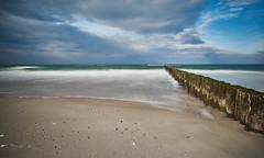 10 Sekunden Darß mit Ente (Froschkönig Photos) Tags: 10 sekunden dars 10sekundendars ostsee langzeitbelichtung nd1000 baltic himmel sky meer sea strand beach entspannung