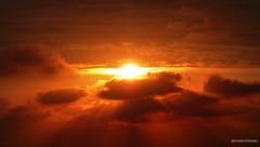 Im abendrot (Le Lutin d'Ecouves) Tags: rouge orange crépuscule soleil nuages soir
