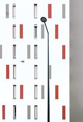 motif urbain (hdenis35) Tags: architecture urbain rennes géométique lampadaire fenêtre window urban geometric immeuble streetlight building