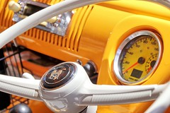 A dash of Kombi. (Ian Ramsay Photographics) Tags: manly newsouthwales australia manlykombirally owners show dash yellow steeringwheel 23march2019