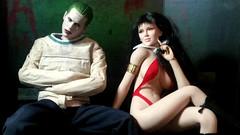 Vampirella visits The Joker (Cremdon) Tags: joker jaredleto suicidesquad 16scale actionfigures hottoys tbleague phicen fireredrose vampirella