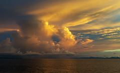 Sunset in the Indian Ocean / Закат в Индийском океане (dmilokt) Tags: природа nature пейзаж landscape море sea закат рассвет восход sunset sunrise dmilokt