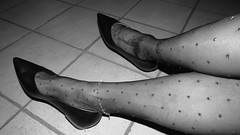 "vintage pics - new ""Andres Machado"" leather pumps (Isabelle.Sandrine2001) Tags: favoriteandresmachadokittenheelsvintageshots hose pantyhose legs feet tattoos anklet shoes leather ballet flats ballerinas pumps low kitten heels shoeplay dangling"