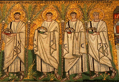 Ravenna - Sant'Apollinare Nuovo 5 (antonella galardi) Tags: emilia romagna ravenna 2018 natale mosaici paleocristiano bizantino santapollinarenuovo chiesa