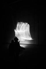 Un Souffle (elgunto) Tags: llumbcn light art people shadows highcontrast sonya7 minoltaaf1735mmf284 laea4 dark silhouette