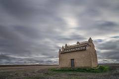 El Palomar. Otro punto de vista. (Amparo Hervella) Tags: villafáfila zamora españa spain paisaje cielo nube naturaleza palomar largaexposición d7000 nikon nikond7000