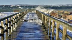 Die Ostsee tobt (petra.foto busy busy busy) Tags: ostsee strand hochwasser sturm stürmisch schleswigholstein germany fotopetra canon 5dmarkiii seebrücke wellen januar 2019