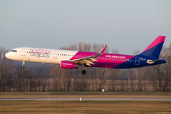 HA-LXT (Andras Regos) Tags: aviation aircraft plane fly airport bud lhbp landing spotter spotting wizz wizzair airbus a321