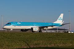 PH-EZY_EMB190_AMS_08JAN18 (Plane Shots) Tags: ams eham jetliner klm klmcityhopper emb190 phezy