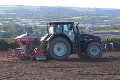 Valtra T183 Tractor with a Kuhn HR3003 Power Harrow & Kverneland Accord DA Seed Drill (Shane Casey CK25) Tags: valtra t183 tractor kuhn hr3003 power harrow kverneland accord da seed drill black agco midleton traktor traktori tracteur trekker trator ciągnik sow sowing set setting drilling tillage till tilling plant planting crop crops cereal cereals county cork ireland irish farm farmer farming agri agriculture contractor field ground soil dirt earth dust work working horse horsepower hp pull pulling machine machinery grow growing nikon d7200