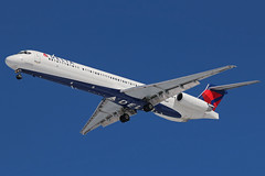 N973DL DELTA MD-88 at KCLE (GeorgeM757) Tags: n973dl delta md88 mcdonnelldouglas aircraft aviation airplane kcle georgem757 landing canon70d