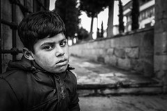Child (K.BERKİN) Tags: mosque eye turkey tourism syrianchildren human people portrait street streetphoto streetphotograpy life leica istanbul city child children mirroless