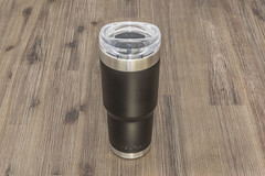 Pelican insulated mug with straw