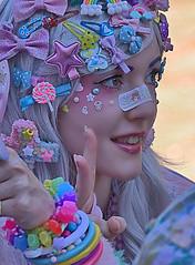 Costume (Scott 97006) Tags: woman costume pretty beauty decorated watching smile fun peace kumoricon