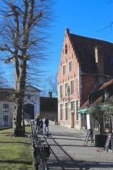 Brugge (Brian Aslak) Tags: brugge bruges westvlaanderen vlaanderen flandre flanders belgië belgium belgique europe town wijngaardplein