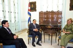 Viceministra de relaciones exteriores sostiene encuentro con líder camboyano
