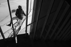 Caught in the web (Bjarne Erick) Tags: bike bicycle rider saddle up city harsch light spring