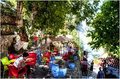 525- UN MERECIDO DESCANSO A LA SOMBRA - XAUEN - (--MARCO POLO--) Tags: ciudades marruecos curiosidades rincones exotismo