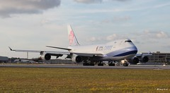 Boeing 747-400 (B-18710) China Airlines Cargo (Mountvic Holsteins) Tags: boeing 747400 b18710 china airlines cargo mia miami international airport florida