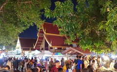 Sunday Market in Chiang Mai (12/2017) (Migathgi) Tags: chiangmai f010 market thailand markt 2017 migathgi v100