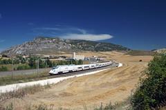 Alvia 625 @ Pancorbo (Wesley van Drongelen) Tags: renfe red nacional ferrocarriles espana españa operadora ave alvia serie class type 130 s130 minipato patito pancorbo trein train zug tren comboio