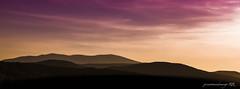Siluetas en el horizonte (José Antonio Domingo RODRÍGUEZ RODRÍGUEZ) Tags: nature outdoors mountain range sky countryside sunset dusk redsky dawn hill peak sunrise plateau scenery