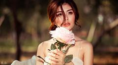 IMG_9493 (Bi Bu) Tags: asian girl beauty outdoor portrait 6d 85