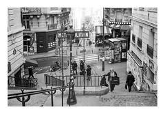 People in the street (madras91) Tags: nb noiretblanc blackandwhite bw monochrome film tx400 kodak kodaktx400 summicron summicron35mmf2v3 35mm leicam2 street streetphotography paris