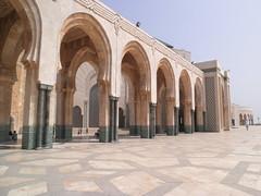 Hassan II Mosque, Casa, Morocco (Jaime JB) Tags: geografíahumana humangeography geografiaurbana urbangeography arquitecturacontemporánea contemporaryarchitecture turismo tourism mezquita mosque arte art power poder arco