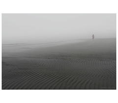 _PXK9704bwtm (Concert Photography and more) Tags: 2019 italy december grado beach outdoorshot fog sea seashore walk people loneliness pentax pentaxk1 pentax1530 liveactionhero friuliveneziagiulia isoladelsole landscape horizon pentaxdfa1530mmf28edsdmwr