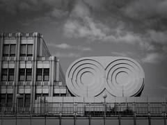 Verkehrsamt (Elisabeth patchwork) Tags: rawtherapee bw blackandwhite schwarzweiss verkehrsamt wien vienna austria architecture