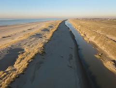 Noordzeekust bij Petten (de kist) Tags: kap thenetherlands nederland petten camperduin hondsbossche zeewering dijk dike noordzee noordzeekust northseacoast kust coast aerial luchtfoto aerialphotography luchtfotografie