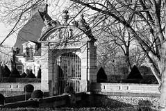 Château de Sorel - Eure-et-Loir (Philippe_28) Tags: 28 sorelmoussel eureetloir france europe château 24x36 argentique analogue camera photography film 135