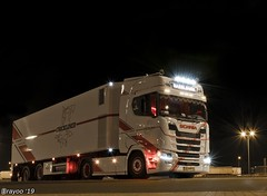 Chickliner Int. Transport (NL) (Brayoo) Tags: hazeleger brayoophotography brayoo chicken livestock ravenhorst transport lkw camoin